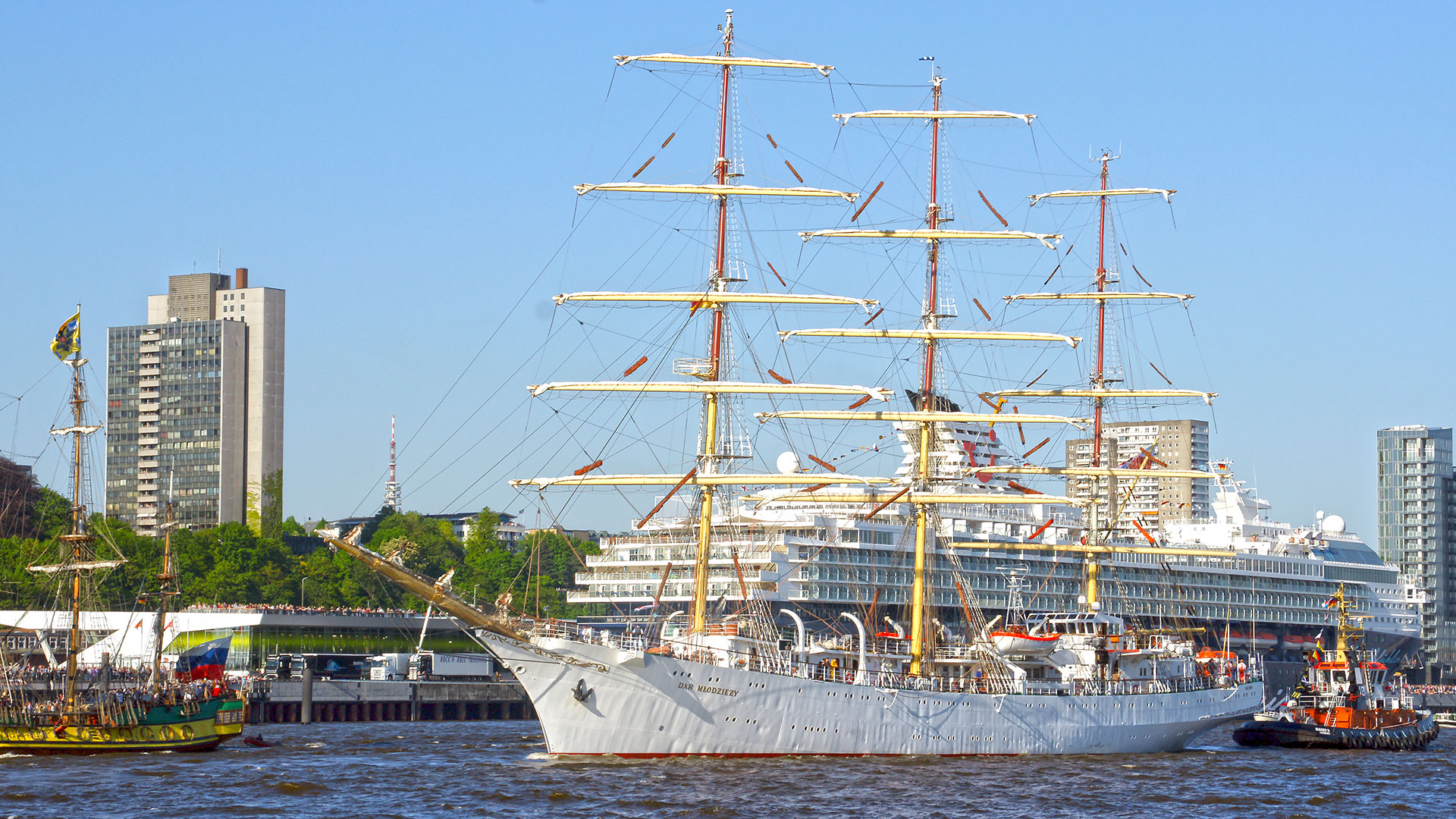 Hamburger Hafengeburtstag Auslaufparade