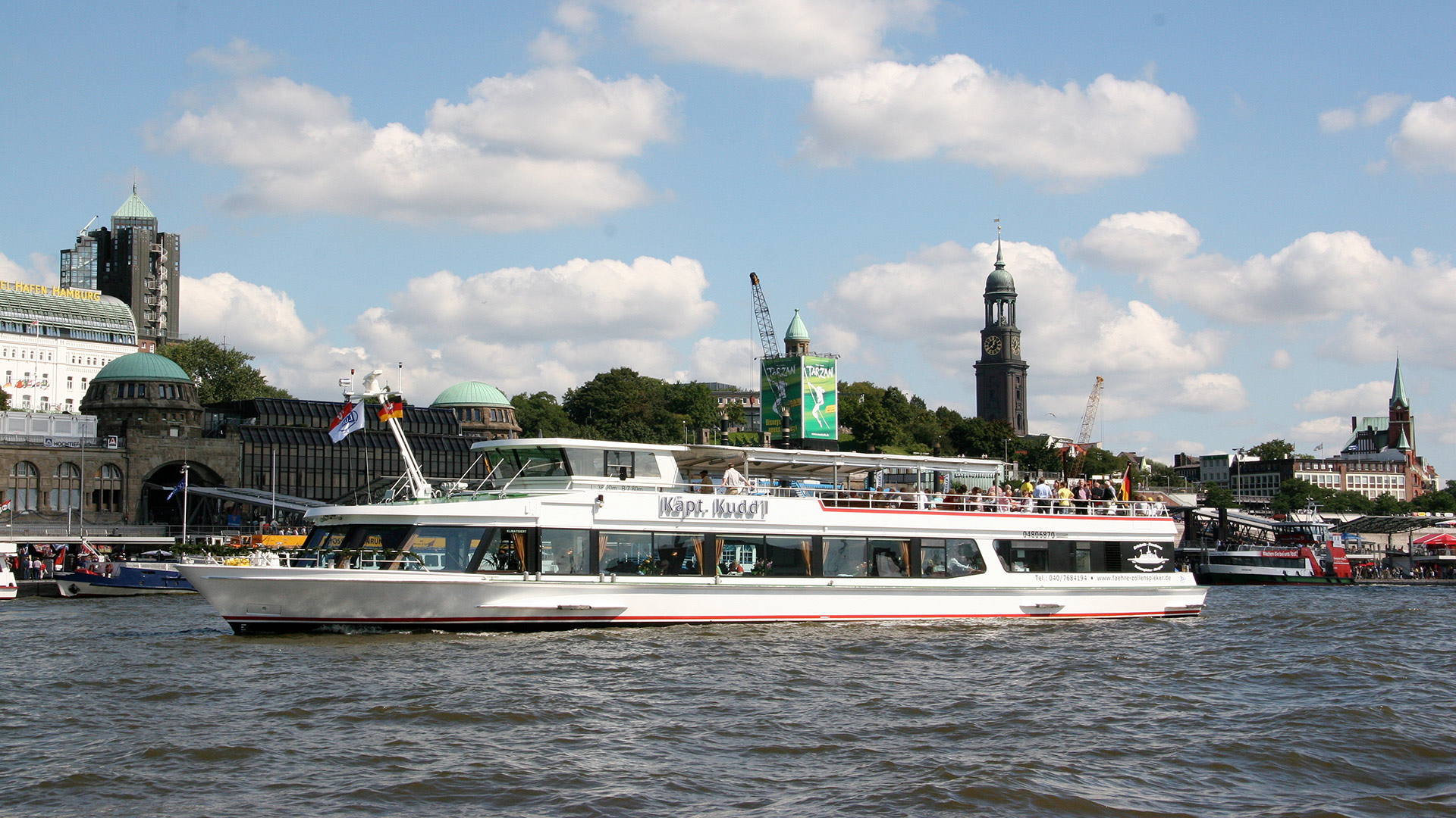 Käpt. Kuddl im Hamburger Hafen